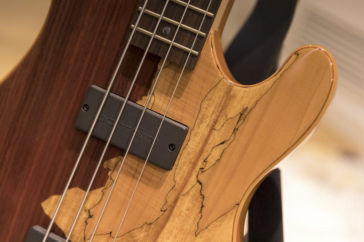 Guitarra Bajo