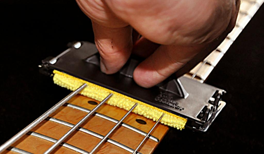 pasos para limpiar una guitarra